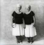 Personal_twinsWomen064
